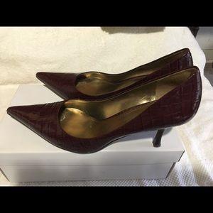 Nine West 'Nuncio' heels in wine patent!